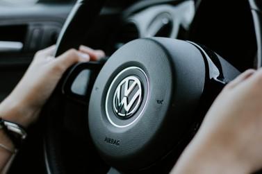 Por que devo comprar um carro seminovo da Volkswagen? veja algumas dicas