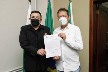 Chico Brasileiro participa da Expo Dubai e Francisco Sampaio assume prefeitura