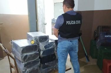 Polícia Civil apreende 300 quilos de maconha em um fundo falso de ônibus