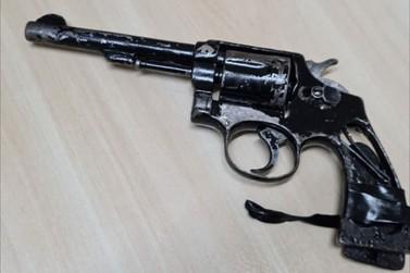 Receita Federal apreende revólver calibre 38 com adolescente na Ponte da Amizade