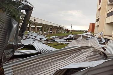 Temporal cancela aulas em escolas e CMEIs nesta segunda-feira em Foz do Iguaçu