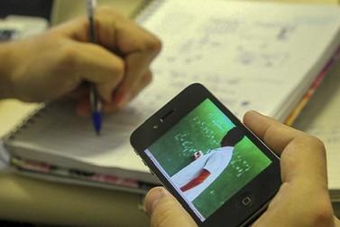Associação arrecada celulares e uniformes para alunos carentes de Guaratuba