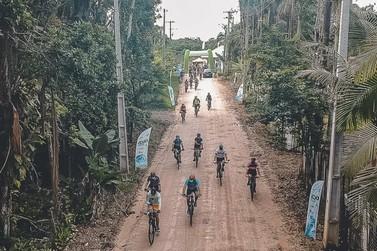 Programa Pedala Paraná estreia com 130 ciclistas na Estrada do Descoberto