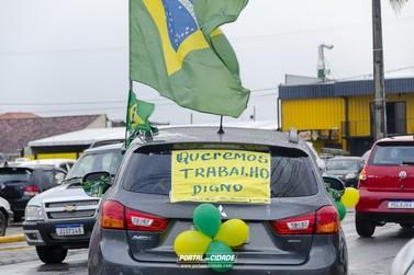 Grupo de empresários realiza carreata contra restrição do comércio em Guaratuba