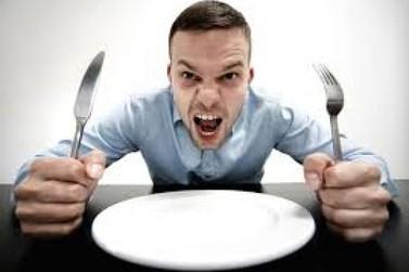 Atividade física e jejum: como eles interferem na fome emocional