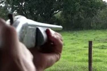 Presidente sanciona lei que amplia porte de armas em propriedades rurais