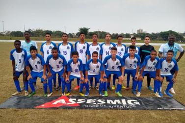 Time de futebol sub-15 é vice-campeão do JOJU 2019