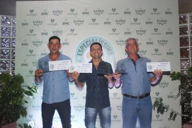Cooxupé distribui R$196 mil em prêmios para os melhores cafés dos cooperados