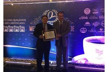 Cooxupé recebe prêmio Melhores Qualidade 2018/2019 da ABIC