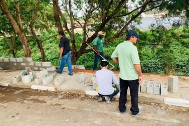 Vândalos destroem muretas anti-enchentes na Vila Progresso