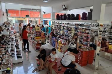 Pop Calçados continua com promoções imperdíveis após sucesso de reinauguração