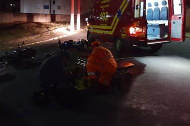 Motociclistas ficam feridos em acidente inusitado no Jardim São Luiz