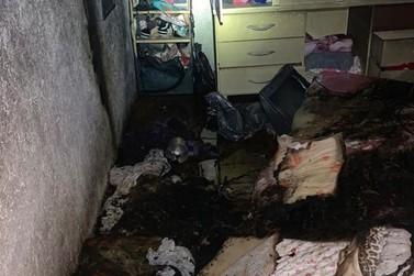 Incêndio destrói parte de residência em Muzambinho