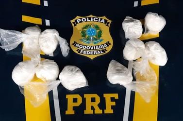 PRF apreende 5 kg de cocaína em veículo na BR-146, em Guaxupé