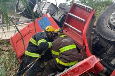 Motorista de caminhão morre em acidente na Serra de São Pedro