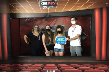 "Cine 14 Bis dá mil reais em prêmio e exibe ""Mulher Maravilha 1984"""