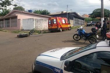Homem de 35 anos fica ferido em acidente de moto em Guaxupé