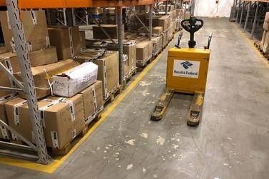 Receita Federal doa R$ 250 mil em mercadorias apreendidas para hospitais