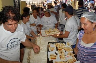 """Almoço de Páscoa da Vila Progresso será realizado no sistema """"drive-thru"""""""