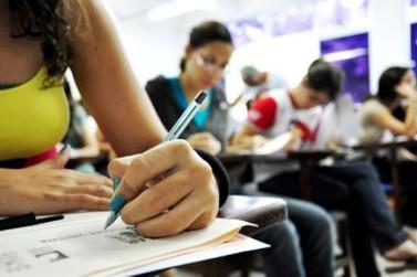 Aumento do tempo para prova do Enem agrada professores e candidatos