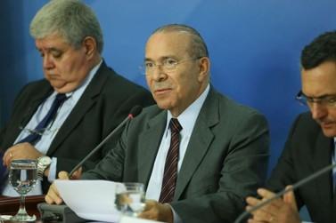 Governo e entidades anunciam acordo para suspender paralisação por 15 dias