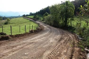 Recuperação das estradas do interior é intensificada