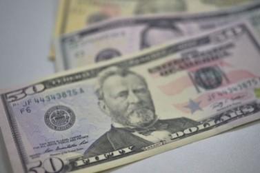 Dólar comercial sobe 1,78% e fecha o dia cotado a R$ 3,81