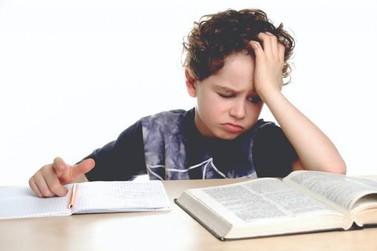 Luz de emergência: qual deve ser o foco da Educação básica