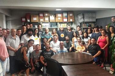 Artistas acompanham reunião para tratar o 3º Festival da Diversidade Cultural