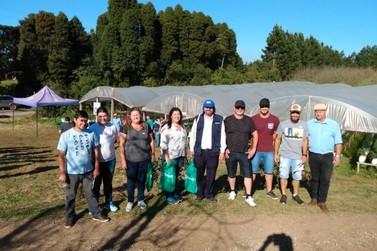 Produtores de Três Coroas participam de seminário sobre moranguicultura
