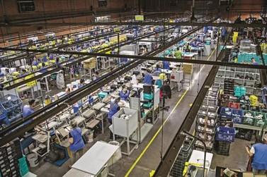 Usaflex demite 15% dos funcionários, reduzindo 25% da produção diária