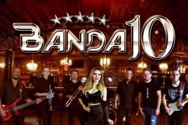 Banda 10 celebra 20 anos de carreira com live especial solidária