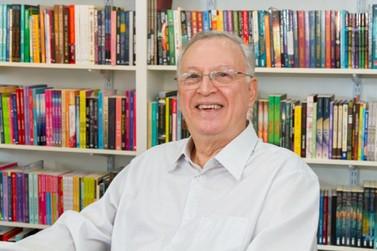 """Dilan Camargo lança versão online do livro """"Invenções e Invencionices"""" na Amazon"""