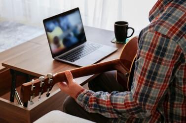 Mapeamento descobre que metade dos músicos gaúchos não realizou lives
