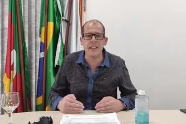 Prefeito Joel Wilhelm faz pronunciamento sobre bandeira laranja e volta às aulas