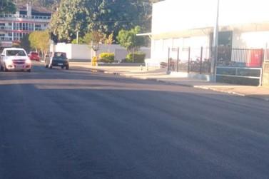 Recapeamento e pavimentação asfáltica avançam pelas ruas de Igrejinha
