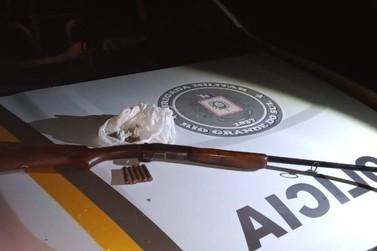 Brigada Militar prende homem por porte ilegal de arma de fogo em Igrejinha