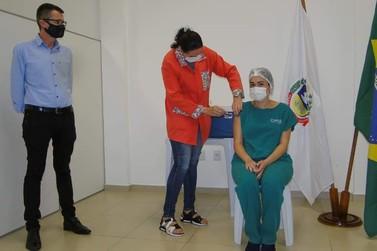 Município de Igrejinha aplica 1ª dose da vacina e inicia imunização contra Covid