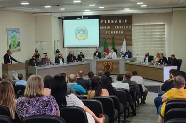 Prefeito, vice-prefeito e vereadores de Igrejinha tomam posse