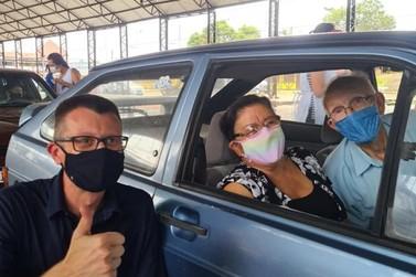 Igrejinha monta drive-thru para vacinar idosos contra o coronavírus