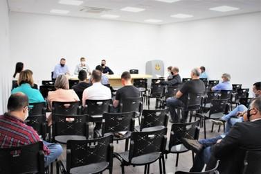 Retorno das aulas e protocolos da cogestão foram temas de reunião em Igrejinha