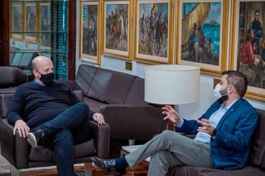 Guto Scherer debate temas de interesse de Igrejinha com presidente da Assembleia
