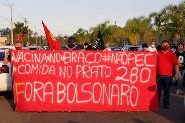 Carreata contra Bolsonaro e pró-vacina percorreu cidades do Paranhana