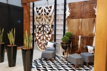 Marca de tapetes de couro inaugura loja em Igrejinha