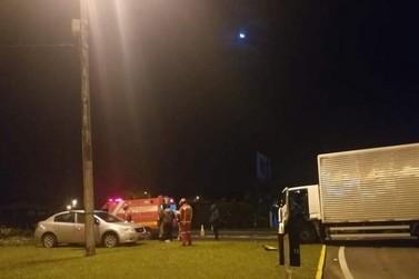 CBVI atende acidente com colisão entre carro e caminhão na ERS-115, em Igrejinha