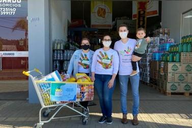 """""""Abraça Sicoob"""" arrecada 22 toneladas de alimentos e 16 mil peças de roupas"""