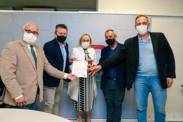 Deputado Dalciso Oliveira anuncia recursos para ampliação do Hospital de Parobé