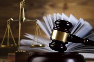 Justiça suspende liminarmente 13° salário do prefeito e vice de Igrejinha