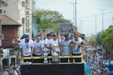 Festa do tri da Libertadores do Grêmio tem final apoteótico na Arena