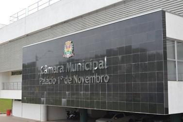 Instalação de placa com telefones de utilidade pública em comércios será votada